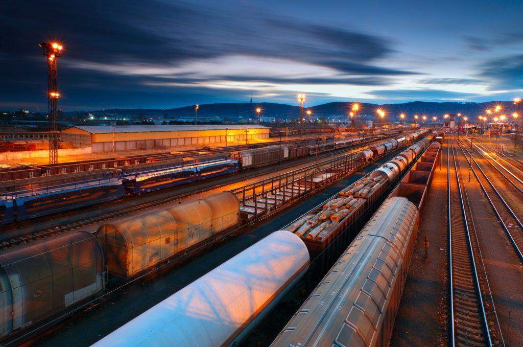 Intermodal Drayage | Huge Benefits of Shipping Via Rail